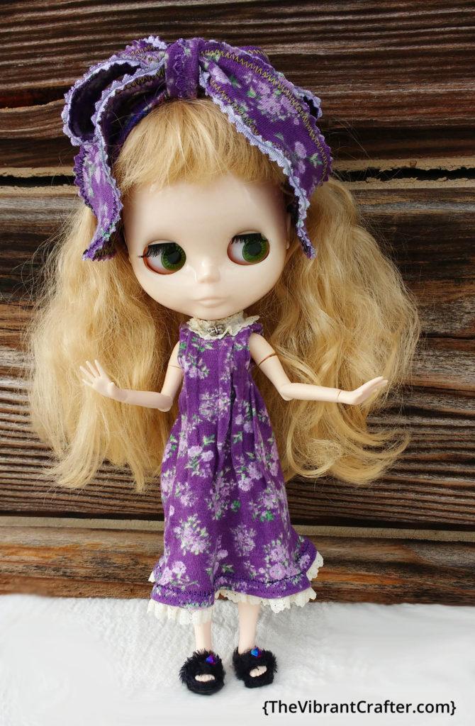 Blythe doll green eyes blonde hair